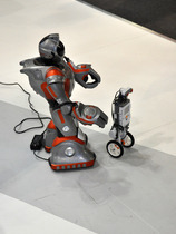 "Humanoider Roboter ""RS-Media"""